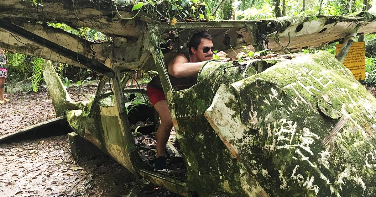 20 Striking Photos Of Forgotten Rides In The Jungle | HotCars