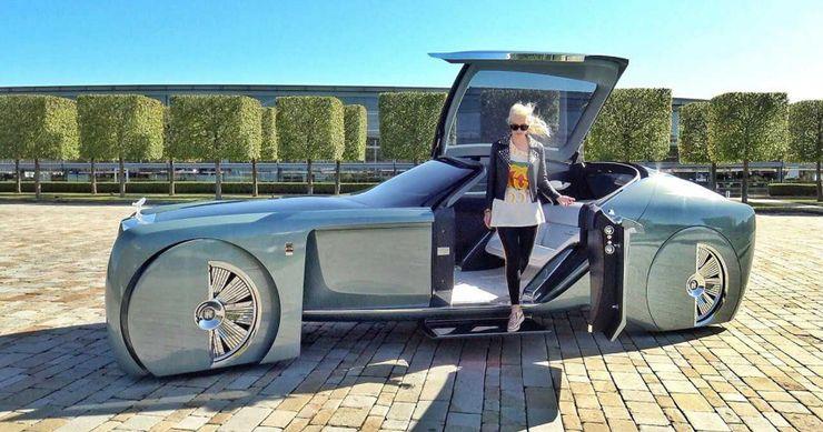 10 Things Supercar Blondie Keeps On The DL