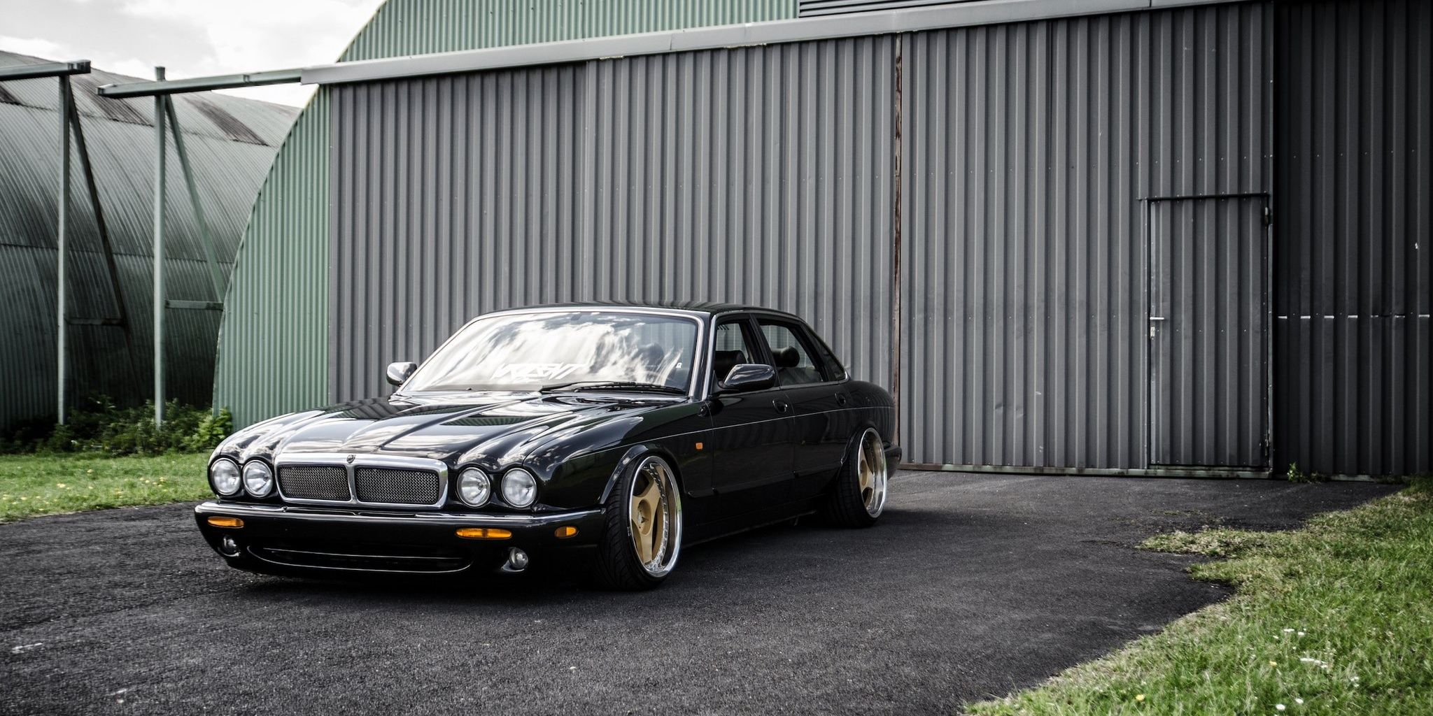 People Modified These Classic Jaguars... And They Look Insane