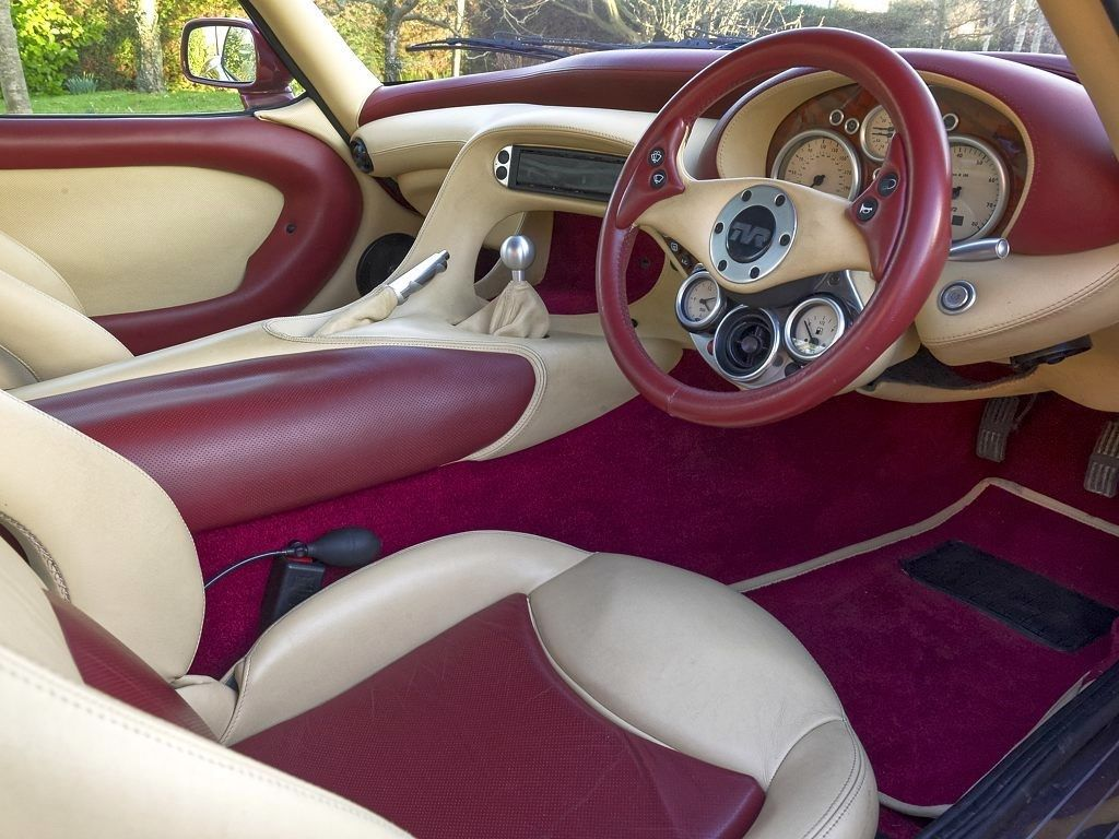 10 Most Insane Sports Car Interiors From The '90s | HotCars