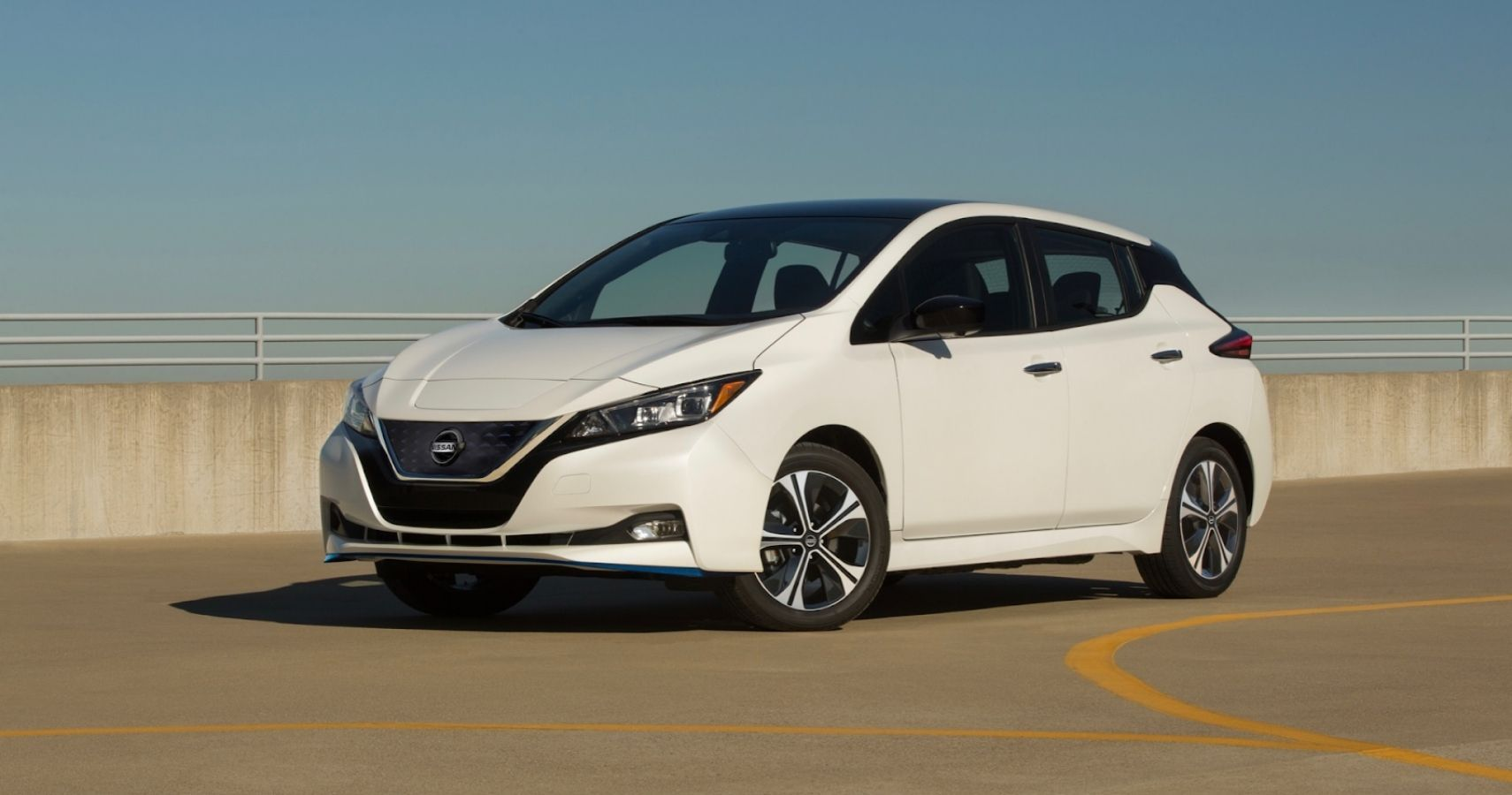 This Is The Coolest Feature Of The Nissan Leaf Interior | HotCars