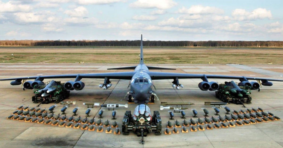 Here's Why The B-52 Bomber Deserves A Nice Retirement | HotCars