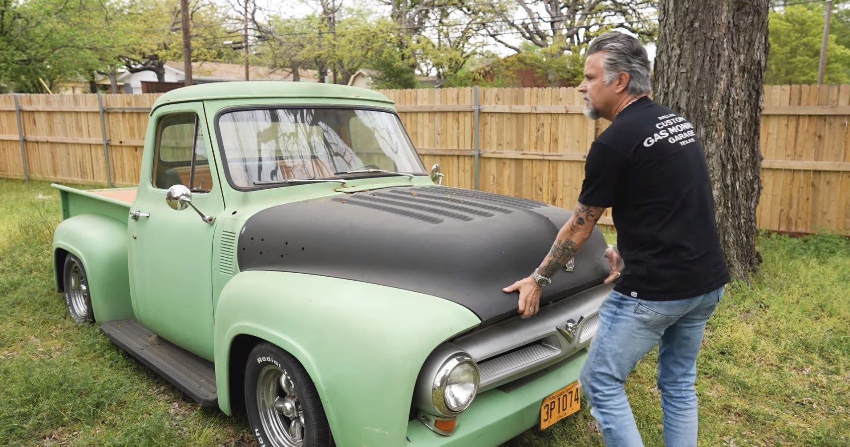 Richard Rawlings Checks Out A Field Full Of Classic Cars And Pickups